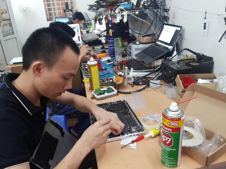 Vệ sinh, bảo dưỡng Surface tại Hà Nội