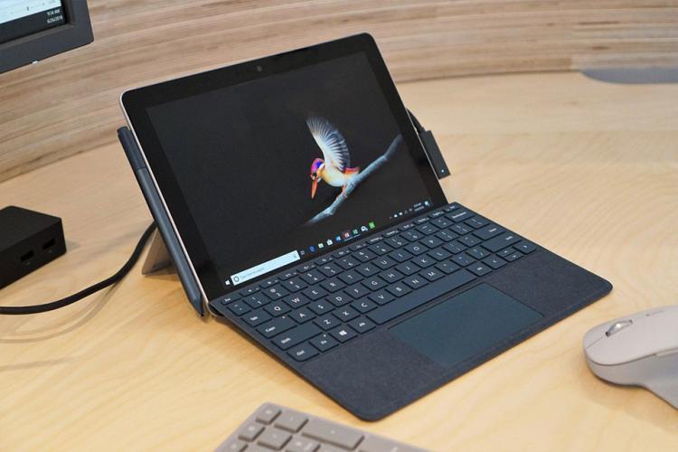 Trên tay Surface Go: Máy tính bảng nhỏ nhất, rẻ nhất của Microsoft