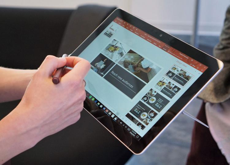 Trên tay Surface Go