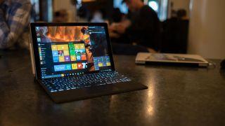 Ngày phát hành Surface Pro 5, tin tức và tin đồn
