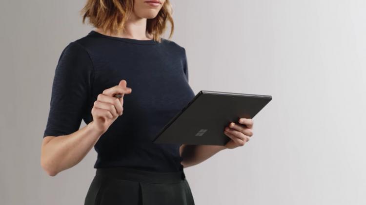 Surface Pro 6 so với iPad Pro