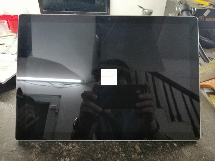 Surface pro 2017 bị treo logo và cách khắc phục